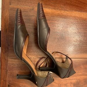 Brown heels Tommy Hilfiger size 9M